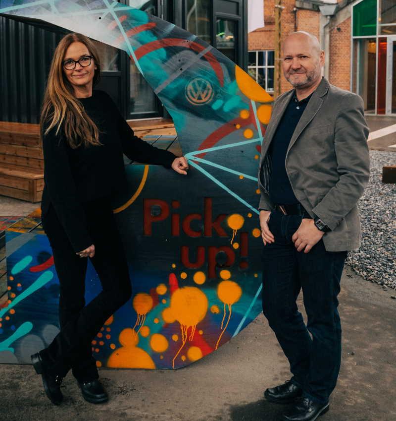 Kristine Hejgaard og Mikael Lykkegaard Have ved grafitti udsmykning